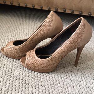 Donald J. Pliner Shoes - DONALD J PLINER Tan Basketweave Heels - 6.5